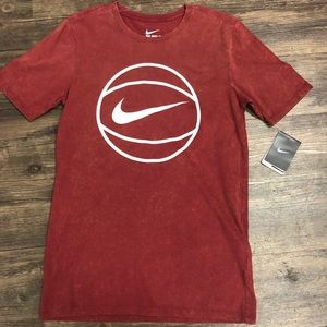 Nike summer wash basketball Tee T-shirt burgundy